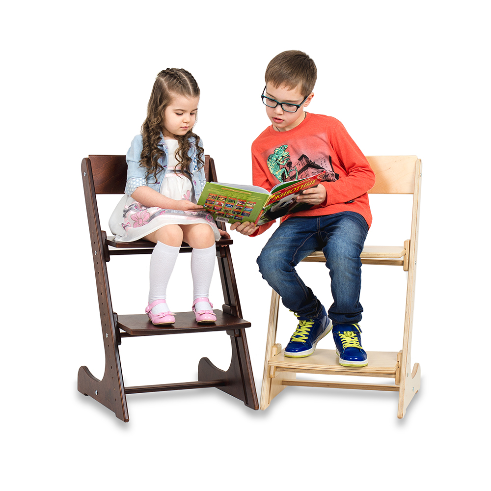 дети на растущих стульчиках